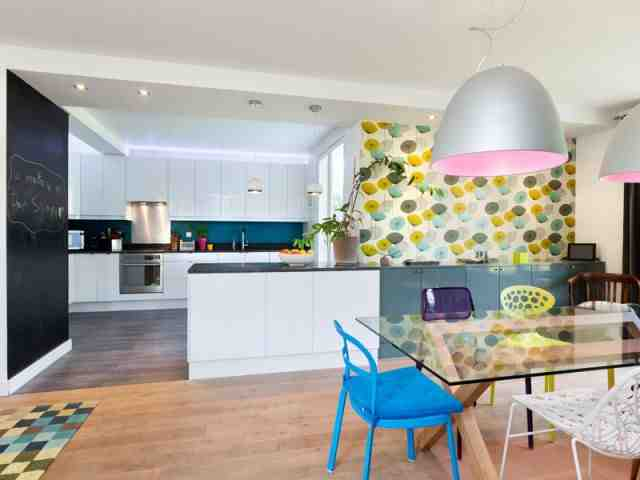 Comment amenager salon salle à manger dans une pièce carrée ?