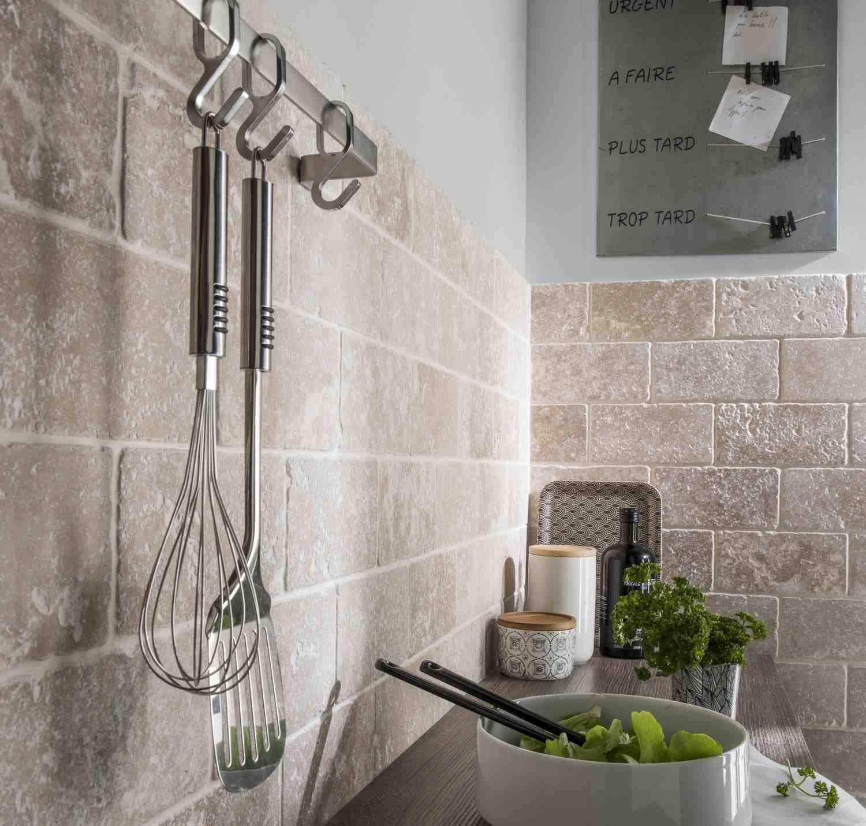 Comment protéger les murs de cuisine ?