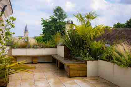 Comment structurer une grande terrasse ?