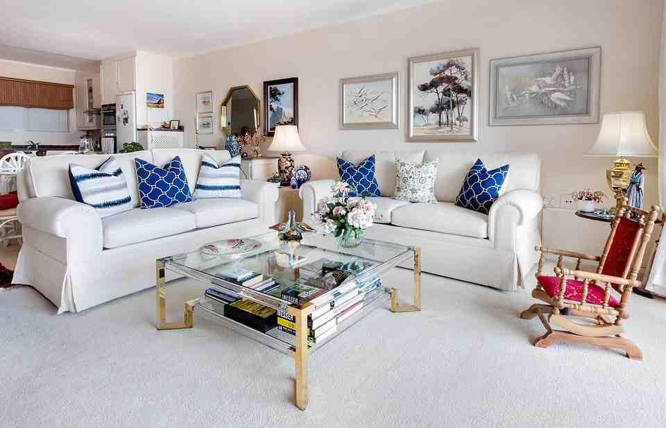 Où mettre le canapé dans un salon ?