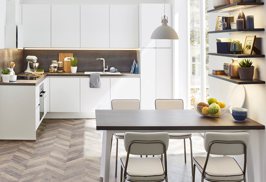 Quelle couleur pour une cuisine avec des meubles blancs ?